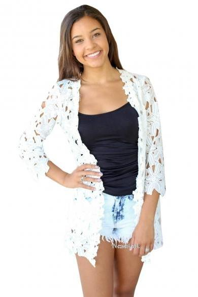 Ladies Women Sexy Front Open 3/4 Sleeve Floral Hollow Sunscreen Loose Casual Beach Tops Blouse